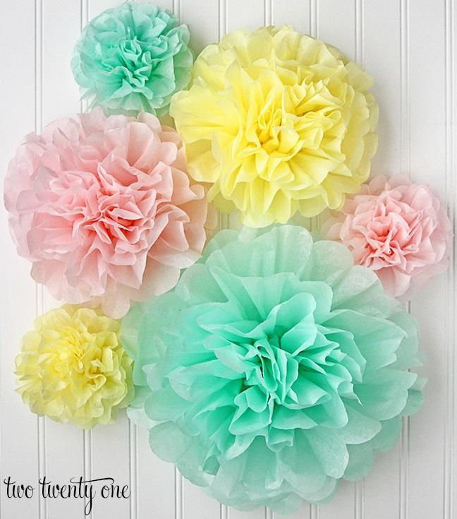 Tissue paper pom-poms: DIY